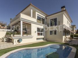 Encantadora casa con piscina y vistas al mar photo 0
