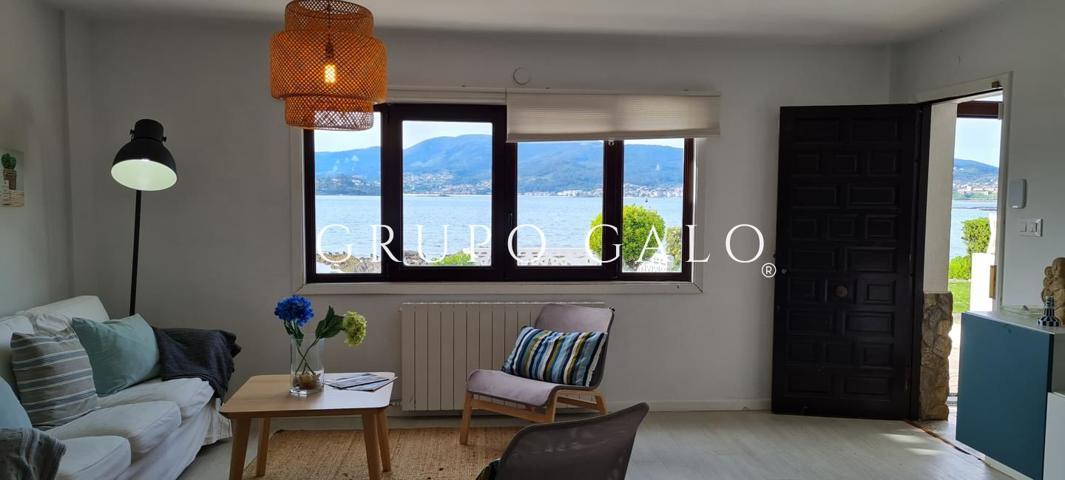 Casa - Chalet en venta en Nigrán de 140 m2 photo 0