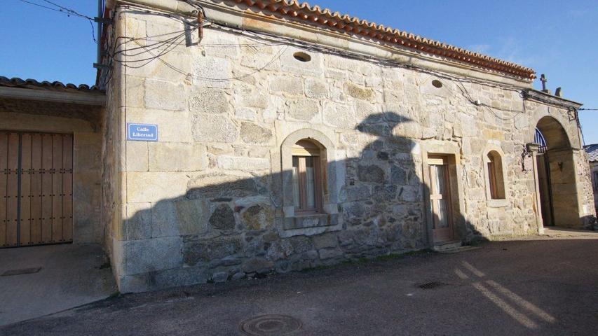 Casa en venta en Pereruela, 5 dormitorios. photo 0