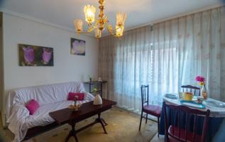 Piso en venta en Plaza Mayor, 3 dormitorios. photo 0