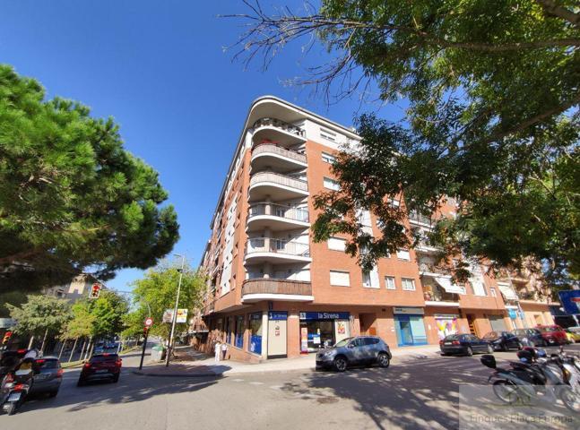 Piso En venta en Girona, Girona photo 0