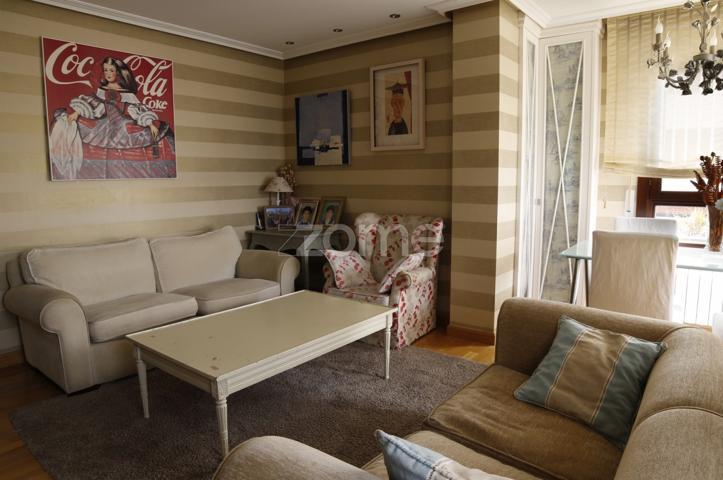 Amplio piso de 4 dormitorios y 3 baños en urbanización de lujo con piscina y actividades lúdicas photo 0