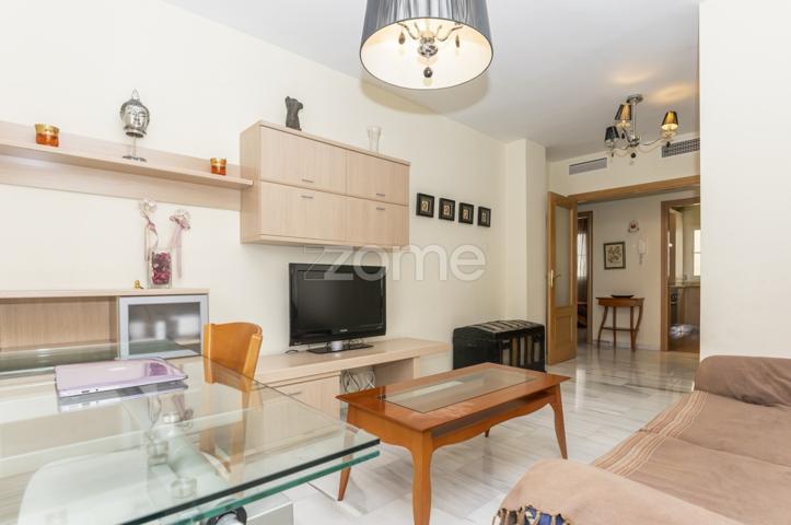 Exclusivo piso en calle Sevilla, 2 habitaciones y aparcamiento photo 0