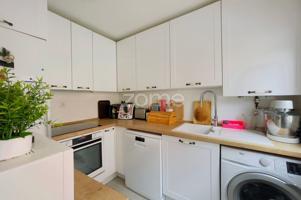 Apartamento en Viana, de dos dormitorios y dos baños en muy buen estado. Exterior a dos calles. Para entrar a vivir. photo 0