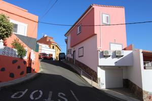 Casa En venta en Calle Balo, 6, Valsequillo De Gran Canaria photo 0
