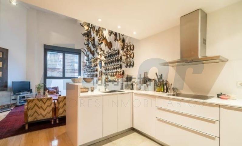 Piso en venta en Madrid, con 134 m2, 2 habitaciones y 2 baños, Ascensor y Calefacción Individual Gas. photo 0