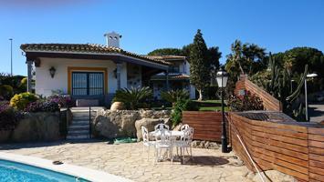 Casa - Chalet en venta en Alella de 500 m2 photo 0