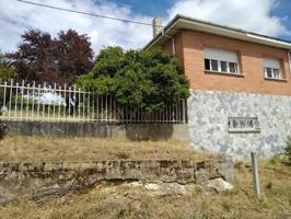 Villa En venta en Bóveda photo 0