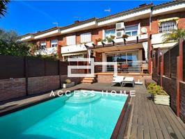 Fantástica casa adosada en Masnou photo 0