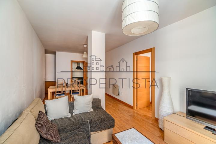 Cómodo piso totalmente reformado y se vende amueblado en el centro Zaragoza  photo 0