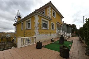 Preciosa casa en Soria photo 0