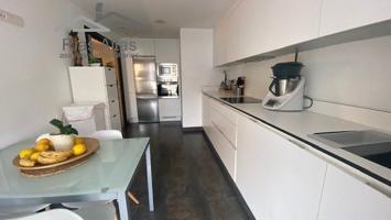 En 4 Caminos seminuevo, 3 dormitorios con garaje y trastero. photo 0