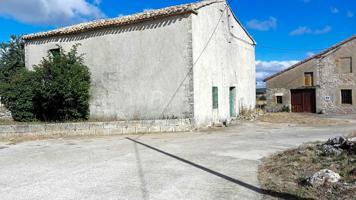 Casa - Chalet en venta en Sargentes de la Lora de 105 m2 photo 0