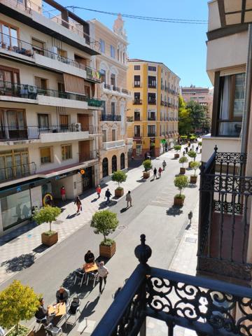 Venta de piso en Calle Carretería photo 0