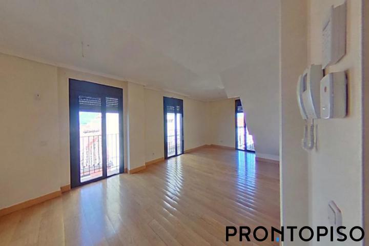Piso en venta en GUADALAJARA de 156 m2 photo 0