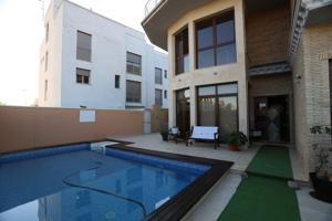 Exclusivo chalet con piscina en zona residencial de Nules photo 0