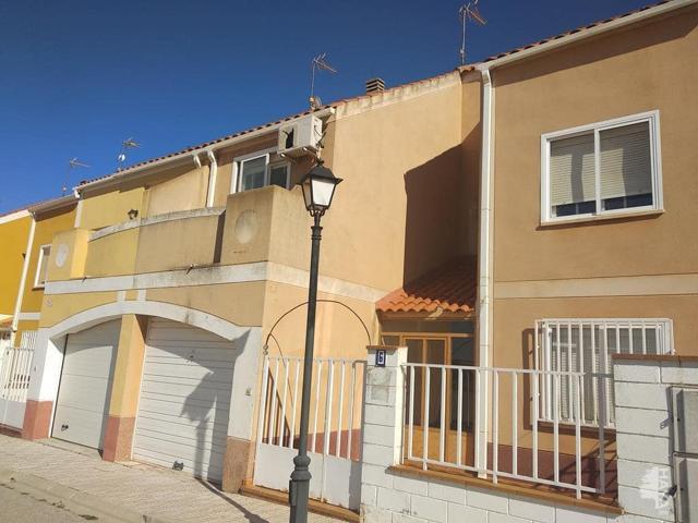 Casa - Chalet en venta en La Gineta de 135 m2 photo 0