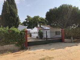 Casa En venta en Carretera Puebla De La Calzada, 31, Valdelacalzada photo 0