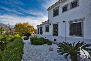 Preciosa Casa en Venta, en Guadalest, con casa de invitados y amplio terreno. photo 0
