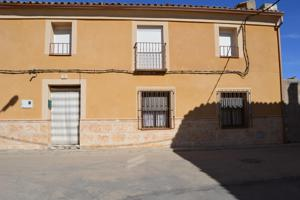 Casa - Chalet en venta en Pozorrubio de 245 m2 photo 0
