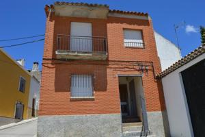Casa - Chalet en venta en Almendros de 90 m2 photo 0