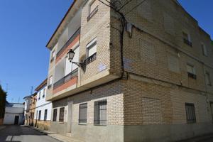 Piso en venta en Puebla de Almenara de 95 m2 photo 0