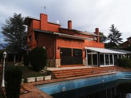 Chalet en Villaviciosa de Odon zona El Bosque photo 0