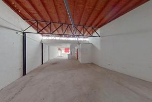 Local en venta en Touro de 71 m2 photo 0
