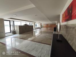Elegante piso seminuevo en uno de los edificios más emblemáticos de Córdoba (centro) photo 0