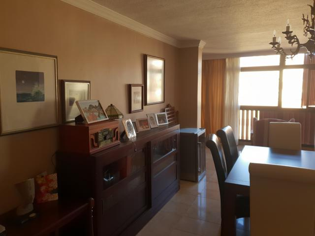 Fantástico piso de 4 dormitorios, 3 baños y 2 plazas de garaje en Tome Cano- 196 m2 photo 0