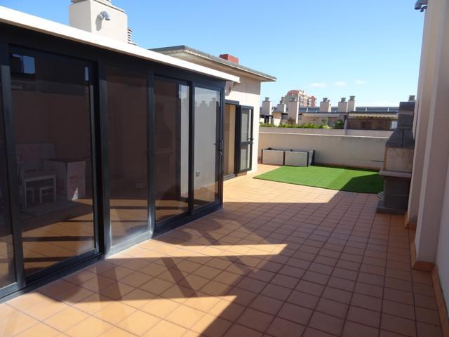 Bonito ÁTICO de 140 m2 en Cabo Llanos de 4 dormitorios, con armarios empotrados, 2 baños y 1 aseo. Terraza de 80 m2 photo 0