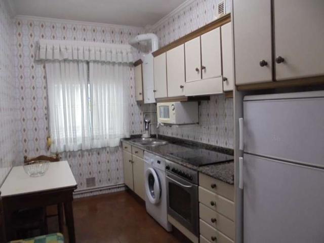 Estupendo piso JUNTO A C- SAN MILLAN photo 0