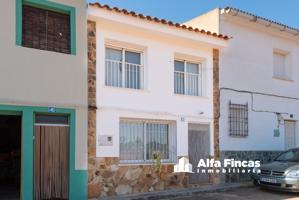 Casa En venta en Calle Alarcon, 17, Pozorrubielos De La Mancha photo 0