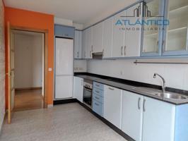 Estupendo piso en venta en Arteixo photo 0