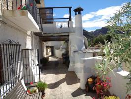 Casa en venta en Pitres photo 0