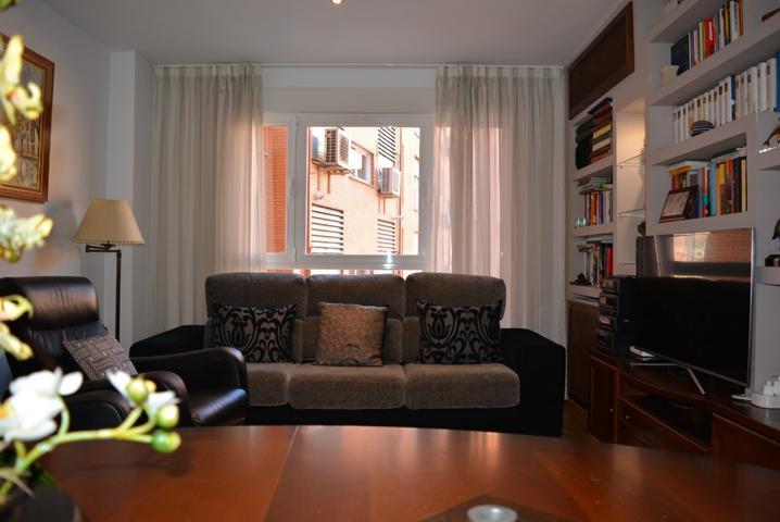 Vivienda en urbanización privada, de tres habitaciones y dos baños, plaza de garaje y trastero. photo 0