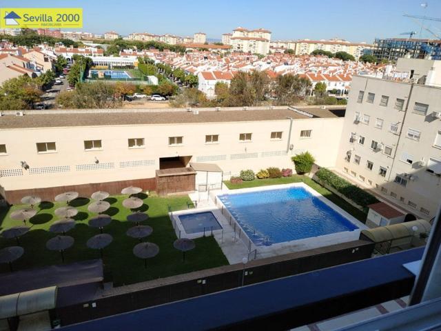 Fantástica vivienda junto Emilio Lemos con piscina y plaza de garaje lista para entrar!!! photo 0