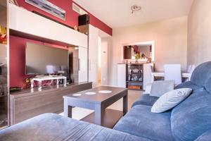 Piso de amplias estancias, moderno, muy luminoso y muy bien situado!!! photo 0