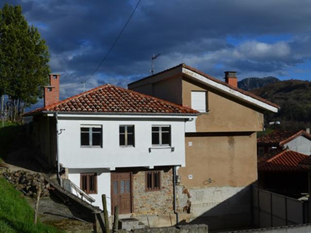 Oportunidad en Bimenes, dos viviendas una de ellas totalmente reformada y un horreo.  photo 0