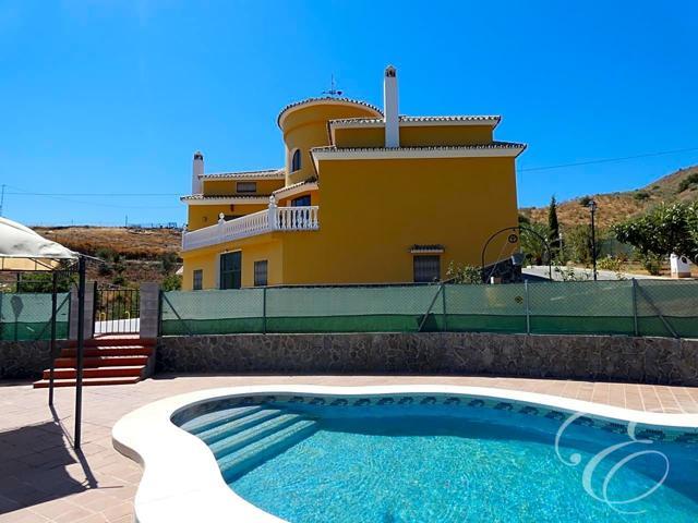Casa - Chalet en venta en Casabermeja de 360 m2 photo 0