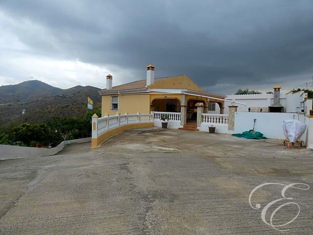 Casa Rústica en venta en Casabermeja de 220 m2 photo 0