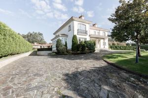 Villa En venta en A Laracha photo 0