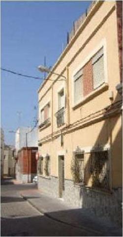Piso cercano a Ctra. Ronda de 2 dormitorios y 1 baño en Almería. photo 0