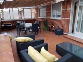 Fantástico y luminoso piso en venta, barrio residencial, el Ensanche photo 0