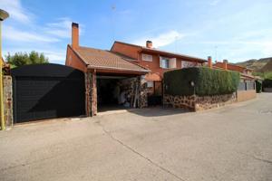 Espectacular y exclusivo chalet en zona residencial, Alcalá de Henares photo 0