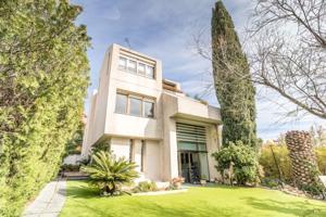Casa En venta en Esplugues De Llobregat photo 0