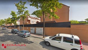 Amplio chalet pareado en la Garena, de 3 habitaciones más buhardilla y piscina. photo 0