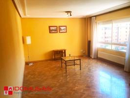 Piso en el ensanche de Alcalá de Henares de 3 dormitorios y 2 baños con piscina. photo 0