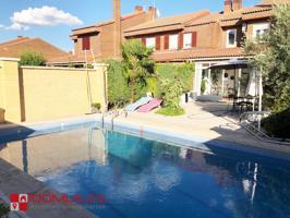 Precioso chalet unifamiliar adosado en Alcalá de Henares de 5 dormitorios, jardín privado y piscina. photo 0