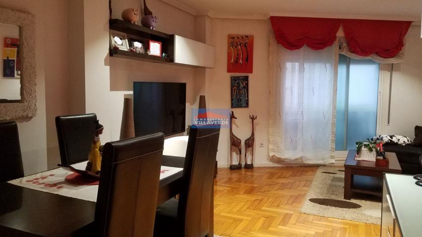 Apartamento en la Avda. de Bueu con garaje photo 0